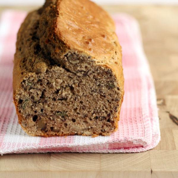 Cake rustico ai 3 semi e noci