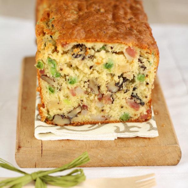 Cake al prosciutto, piselli & noci