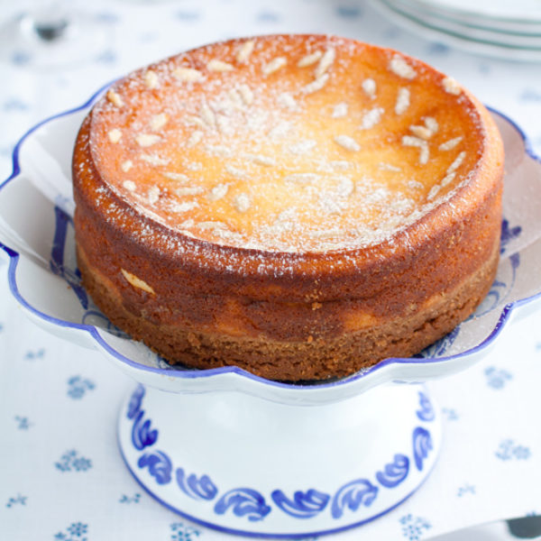 Cheesecake alla ricotta, limone e pinoli
