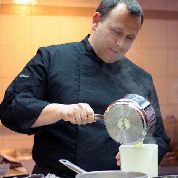 Una serata in cucina con Maurizio Santin e l'Accademia del Sapore Lagostina: intervista e una ricetta
