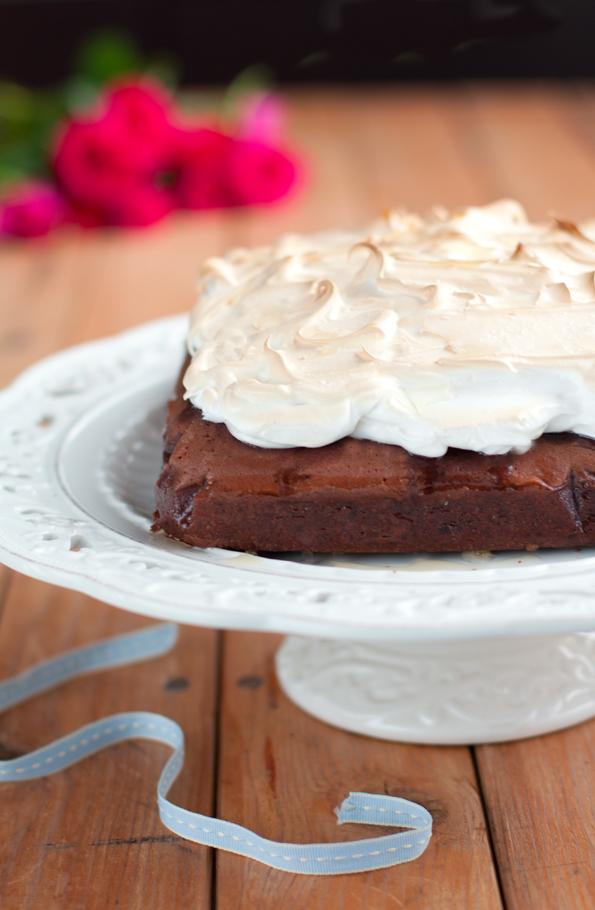 Brownies alla vernaccia di Oristano e meringa
