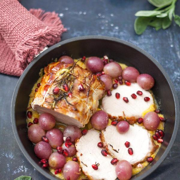 Arrosto di lonza al forno con pancetta, uva rossa e melagrana 2